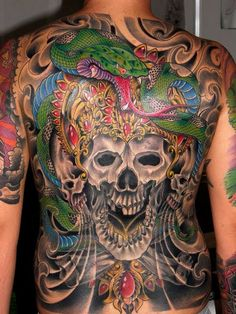 Skull and Snake back tattoo Creepy Tattoos, 3d Tattoos, Large Tattoos, Cool Tattoos, Awesome Tattoos, Gotik Tattoo, Back Tattoos For Guys, Gothic, Tattoo Project