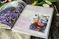 Mein Buch – Einfach natürlich! Durch die Jahreszeiten mit der Natur… Chutneys, Herbalism, Polaroid Film, Natural Decorating, Vodka, Food Items, Organic Beauty, Herbal Medicine, Chutney