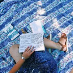 It begins with the words; let them fill you, spill from you. #shecraftswords #nonartpost  _  #reading #picnic #floral #readingaesthetic #aesthetic #writerslife #artsy #picnicaesthetic