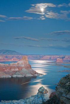 Impressive Photos of Natural Beauties - Lake Powell, Arizona, USA