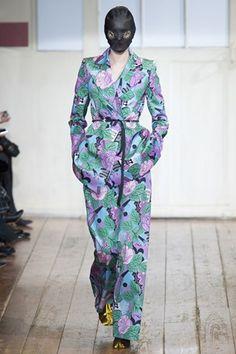 Paris Haute Couture  Maison Martin Margiela  Ανοιξη – Καλοκαίρι 2014 Review  Fashion e6ebc971bcd