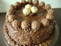 A receita de Bolo de Ferrero Rocher é uma delícia. Todos que fizeram já gostaram porque agrada a todos os paladares Bolo de Ferrero Rocher Imprimir Autor: