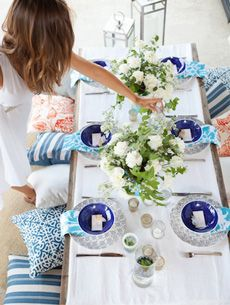 One of our favorite stylists, Camille Styles, hosts a HomeMint summer dinner party with a Mediterranean inspired blue, turquoise and orange palette.