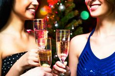 These holiday etiquette tips will help you survive any soirée.