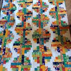 My sister, mom and I all got the exact same fabrics and we challenged each other to make 'secret' quilts! Cheri Sharp used the River Log Cabin pattern for her challenge quilt! Scrappy Quilt Patterns, Log Cabin Quilt Pattern, Log Cabin Quilts, Scrappy Quilts, Log Cabins, Canadian Quilts, Big Block Quilts, Quilt Blocks, Quilt Stitching