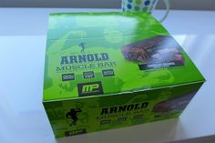 Arnold Schwarzenegger Muscle Bar, Chocolate Brownie, 12 Bars – Iherb Review and Unboxing: http://pusabase.com/blog/2016/05/01/iherb-review-arnold-muscle-bar-chocolate-brownie-12-bars/