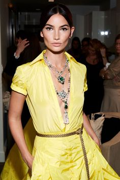 A closer look at Lily Aldridge's Ralph Lauren look for the Met Gala. Celebrity Jewelry, Celebrity Style, Santa Monica, Lily Alridge, Ralph Lauren Looks, Knee Length Dresses, Yellow Dress, Formal Wear, Fashion Details