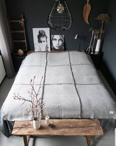 You have a nice living room but no room? And if you partition your living room to create this room you dream? How to create two separate spaces in a room without heavy work? Blue Gray Bedroom, Grey Bedroom With Pop Of Color, Bedroom Colors, Bedroom Neutral, Dark Cozy Bedroom, Dark Bedrooms, Bedroom Brown, Rustic Bedrooms, White Bedroom