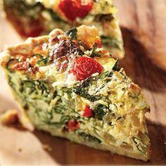 Súper fácil y a los niños les encanta, es una manera que coman verduras escondidas.. ingredientes: - lámina de hojaldre (se vende en cualquier super en congelado o en nevera) -2...