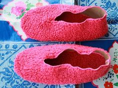 Free sewing tutorial and pattern for sewing room slippers - small dreamfactory