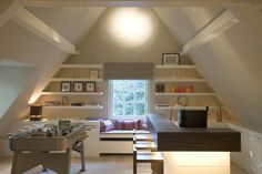 Het Atelier - Interieur (Hooglede, West-Vlaanderen) | project: Vandeurzen Attic Loft, Attic Rooms, Attic Spaces, Bedroom Loft, Detached Garage Designs, Foster House, Mini Loft, A Frame House, Attic Design