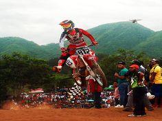 Durán gana duelo motocross a costarricense Castillo