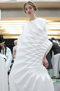 Architectural Fashion Design - white dress with 3D pleats & sculptural silhouette; wearable sculpture // Yuki Hagino