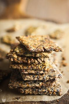 krakersy-zmieniajace-zycie-9369-3 Healthy Desserts, Raw Food Recipes, Sweet Recipes, Vegetarian Snacks, Food Inspiration, Love Food, Food To Make, Food And Drink, Favorite Recipes