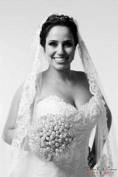 Fabi Gandra  #vestidosdenoiva #casamento #wedding #bride #noiva #weddingdress #weddingdresses #bridal