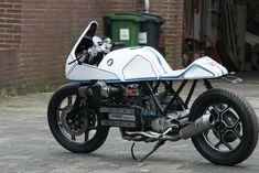 Welcome at Café Racers United! This is the place to learn, to be inspired and to enjoy Café Racers like this BMW K100RS by Roel Scheffers