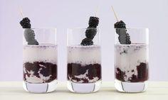 Brombeer-Shake Lava flow - Rezepte - Schweizer Milch Pillar Candles, Lava, Panna Cotta, Food And Drink, Drinks, Ethnic Recipes, Cherries, Blackberries, Smoothie Recipes