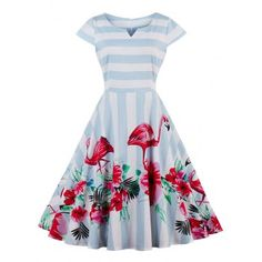 Beautiful dress, what a pity it comes from an unreliable Chinese company with poor reviews... :(