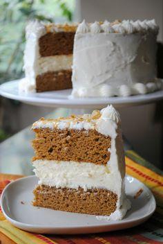 Pumpkin Cheesecake Cake from www.shugarysweets.com
