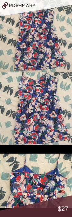 JCREW FACTORY summer floral spaghetti strap NWT Blue floral dress. NWT. The size isn't on the dress but my receipt references size 14. The zipper is on back and had an elastic give. Really cute. Good for moderate busy size. J. Crew Factory Dresses