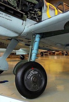 Archivo: Messerschmitt Bf 109 G-6 (MT-507) K-SIM 07.jpg