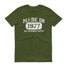 1977 Birthday Gift Vintage Born in 1977 t-shirt for men 41st