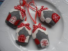 Házikók,4 db Karácsonyi dekoráció, Dekoráció, Karácsonyi, adventi apróságok, Otthon, lakberendezés, Karácsonyi dekoráció, Meska
