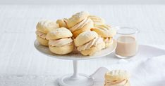 Taste- Add Baileys liqueur to a creamy biscuit and you've got a boozy melting-moments recipe to remember. Gourmet Recipes, Sweet Recipes, Cookie Recipes, Snack Recipes, Xmas Recipes, Biscuit Cookies, Biscuit Recipe, Shortbread Cookies, Yummy Cookies