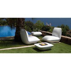 Pillow Lounge Chair By Vondom Commercial Interior Design, Commercial Interiors, Outdoor Wall Lighting, Outdoor Decor, Outdoor Furniture, Mediterranean Design, Planter Table, Black Floor Lamp, Gardens