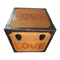 Baúl Cuero Love de Unik. Información, precios mayoreo y minoristas  www.estudiosdecoracion.com