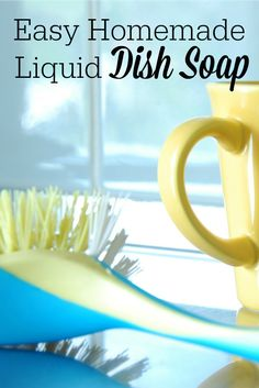 Get your dishes clean without toxins! Here& a recipe for easy homemade liquid dish soap using just a few ingredients, like castile soap and essential oils. Cleaning Recipes, Soap Recipes, Cleaning Hacks, Cleaning Supplies, Diy Cleaners, Cleaners Homemade, Household Cleaners, Homemade Dish Soap, Liquid Soap