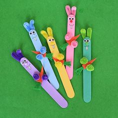 10 of the Cutest Easter Crafts for Kids Crafts for Easter should be cute and use lots of cotton balls, don't you think? Check out these 10 Easter crafts for kids for some sweet inspiration! Spring Crafts For Kids, Family Crafts, Crafts For Kids To Make, Easter Crafts For Kids, Crafts For Teens, Kids Diy, Crafts Toddlers, Children Crafts, Adult Crafts