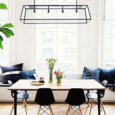 Lampy #loft to industrialne metalowe klatki z transparentnym szkłem, które podkreślą charakter Twoich wnętrz! Idealne do jadalni, pokoju dziennego czy holu. ZOBACZ: http://mlamp.pl/lampy-wewnetrzne-oswietlenie-do-domu/14181-lampa-wiszaca-loft-1-10161406-kaspa-industrialna-oprawa-zwis-ip20-na-lancuchu-klatka-brazowa-przezroczysta.html * #lampyindustrialne #lampyloftowe #oswietlenieloftowe #stylindustrialny #wystrojwnetrz #homedesign #interiordesign #interiorlighting #industriallighti...