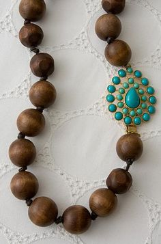 Charlize wood necklace in turquoise