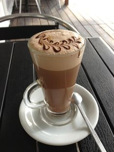 The Most Satisfying Cappuccino Latte Art - Coffee Brilliant Coffee Latte Art, I Love Coffee, Coffee Cafe, Coffee Break, My Coffee, Coffee Drinks, Mocha Coffee, Morning Coffee, Café Chocolate