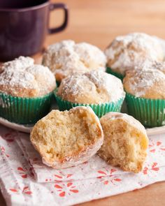 Doughnut Muffins Holiday Recipe: Eggnog Doughnut Muffins Recipes from The Kitchn. I've never heard of this, but it's worth a try!Holiday Recipe: Eggnog Doughnut Muffins Recipes from The Kitchn. I've never heard of this, but it's worth a try! Muffin Recipes, Brunch Recipes, Baking Recipes, Breakfast Recipes, Dessert Recipes, Breakfast Ideas, Bread Recipes, Breakfast Bars, Morning Breakfast