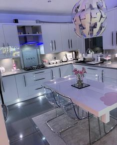 Shared by Lexxx. Find images and videos about white, luxury and interior on We Heart It - the app to get lost in what you love. Dream House Interior, Luxury Homes Dream Houses, Dream Home Design, House Design, First Apartment Decorating, Girl Apartment Decor, Apartment Goals, Living Room Decor Cozy, Living Room Goals