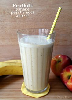 Frullato alle banane, pesche noci e yogurt greco Food N, Food And Drink, Gelato, Baby Food Recipes, Cooking Recipes, Cocktail Juice, Healthy Drinks, Healthy Recipes, Smoothie Diet Plans