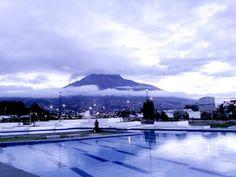 Vista Volcan Imbabura desde el Parque Centrica Bulevar