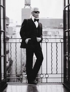 Karl Otto Lagerfeld word,the most influential fashion designers in the second half of the century.(he was born in Hamburg-Germany) Karl Lagerfeld, Fendi, Carolina Herrera, Coco Chanel, Chanel Paris, Kaiser Karl, Yoyo Cao, Karl Otto, Muse