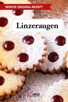 Dieses weihnachtliche Traditionsgebäck aus Oberösterreich lässt Herzen höher schlagen. Und die Himbeer- oder Ribiselmarmelade macht die Linzeraugen unverwechselbar. #linzerkekse #linzeraugen #kekse #plätzchen #keksrezepte #plätzchenrezepte #rezept #rezeptideen #weihnachtskekse #weihnachtsplätzchen #keksebacken #plätzchenbacken #weihnachtsbäckerei #servus #servusmagazin #servusinstadtundland Marzipan, Cereal, Cakes, Breakfast, Desserts, Food, Baking Cookies, Raspberries, Food Food