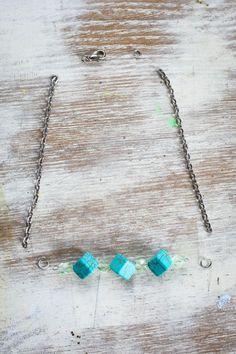DIY Delicate Beaded Bracelets | http://hellonatural.co/diy-beaded-bracelets/