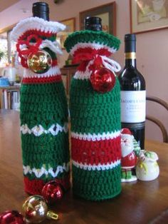 Free Crochet Happy Bottle Bags Pattern.