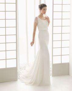DIVÁN vestido de novia en georgette con chantilly pedrería.