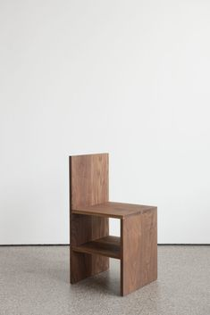 Furniture by Donald Judd, an exhibition at Galerie Greta Meert from November 2011 to March 2012 Plywood Furniture, Diy Furniture, Furniture Design, Minimalist Furniture, Outdoor Garden Furniture, Coffee Table Design, Table And Chairs, Chair Design, Interior