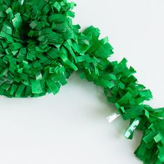 Decorations - Fancy Tissue Fringe Garland: Grass Green (($))
