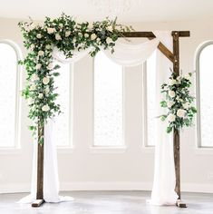 Winter Wedding Arch, Wedding Arch Greenery, Spring Wedding Flowers, Floral Wedding, Outside Wedding Ceremonies, Wedding Ceremony Decorations, Wedding Ideas, Chapel Wedding, Wedding Arches
