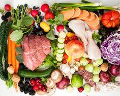 Vegan ve paleo diyetlerinin faydalı yönlerini birleştirmeyi hedefleyen mükemmel pegan diyeti önümüzdeki yıllarda adından çokça söz ettirebilir. Et yemeye bayılan bir paleo diyeti taraftarıysan, veganlar ile ortak yönlerinin oldukça az olduğunu bilirsin. Bu yüzden, son diyet trendi olan pegan diyetine inanman zor olabilir. Evet, yanlış duymadın: Artık pegan diyeti ile tanışabilirsin. Fikir basit: Paleo ve…