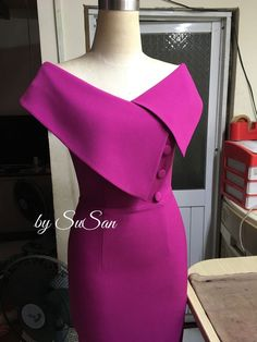 Sheath/Column V-neck Tea-length Mother of the Bride Dress With Ruching Crystal DetailingSpecial Occasion Dresses,Evening Dresses,Party Dresses,Cocktail Dresses,buy Even… – Women FashionSpecial Occasion DressesEvening DressesParty DressesCocktail Classy Dress, Classy Outfits, Chic Outfits, Fashion Outfits, Fashion Tips, Women's Fashion, Latest African Fashion Dresses, African Print Fashion, Simple Dresses