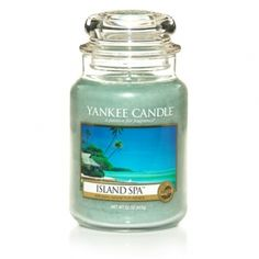 Yankee Candle Island Spa : A revitalizing escape . the sunny citrus aroma of crisp, juicy mandarins and vibrant lemon verbena. Scented Candles, Candle Jars, Candle Holders, Yankee Candle Scents, Yankee Candles, Best Smelling Candles, Candle Accessories, Candle Diffuser, Best Candles